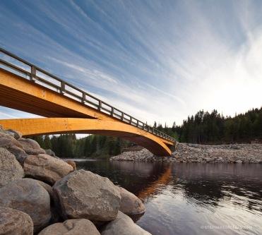 Pont en arc de bois. Photo de Stephane Groleau