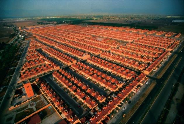 Logements INFONAVIT, Toluca, Etat de Mexico, Mexique (19°17' N - 99°40' O).