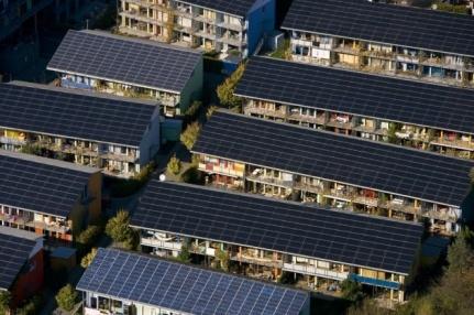 Maisons solaires de l'écoquartier Vauban à Fribourg-en-Brisgau, Allemagne (47°58' N - 7°50' E).