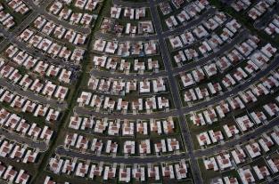 Quartier résidentiel à Caguas, région centre, Porto Rico (18°13'N – 66°00'O).