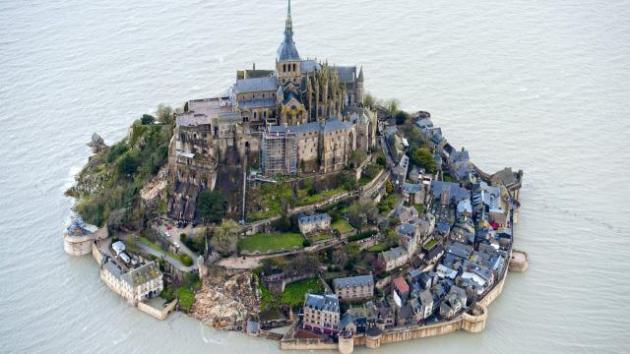 le-mont-saint-michel-et-saint-malo-vus-du-ciel