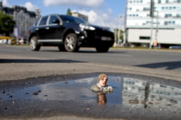 Isaac Cordal. Le projet « Cement Eclipses