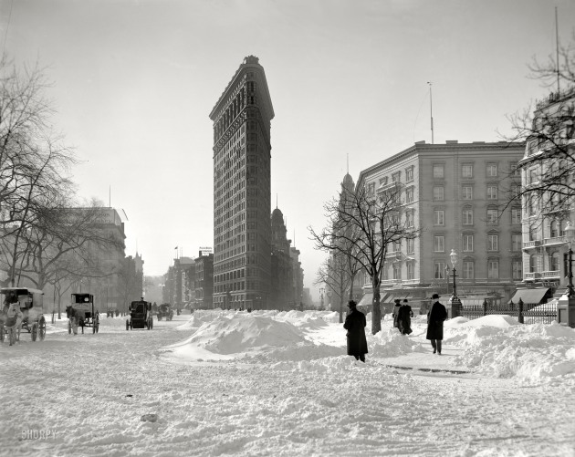 ew York circa 1905 Flatiron Building, corner after snow storm 8x10 inch dry plate glass negative, Detroit Publishing Company.