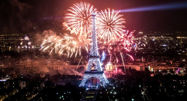 Feu-artifice-Paris-Tour-Eiffel-2013-5-640x346